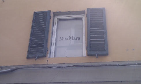 MaxMara upper window in Pisa