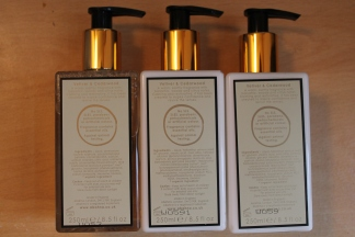 Abahna Vetiver & Cedarwood Shower gel, hand cream, body lotion